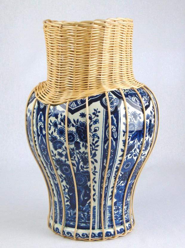 centerpiece ceramic delft blue vase with rotan